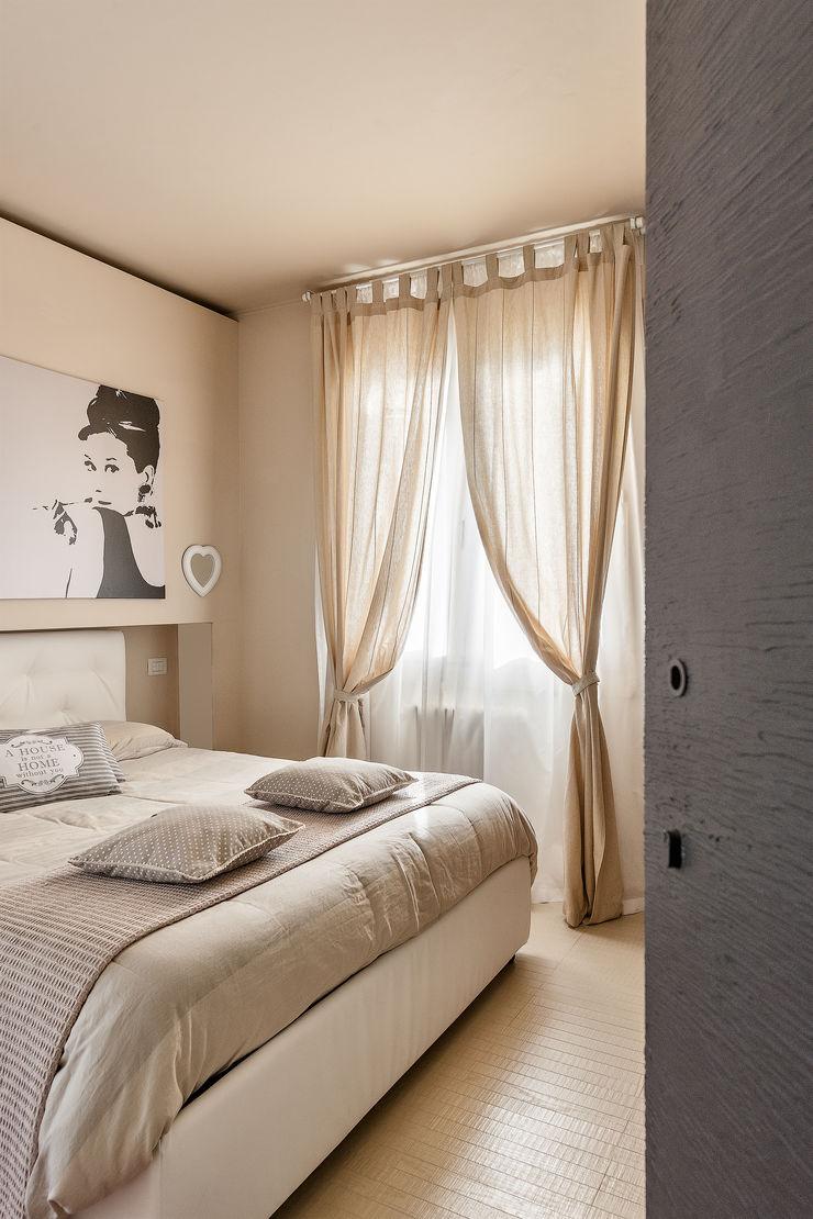 Appartamento privato a Bergamo Resin srl Camera da letto moderna
