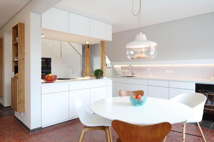 Küche Architekturbüro zwo P Küchenzeile Weiß