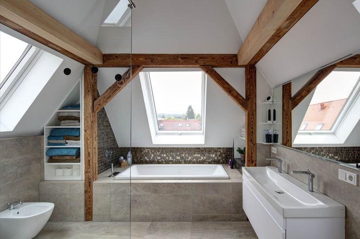 Badezimmer Architekturbüro zwo P Moderne Badezimmer Fliesen Grau
