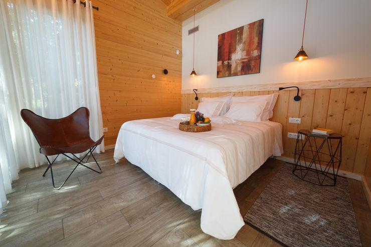 RUSTICASA Hotel Modern Kayu Wood effect