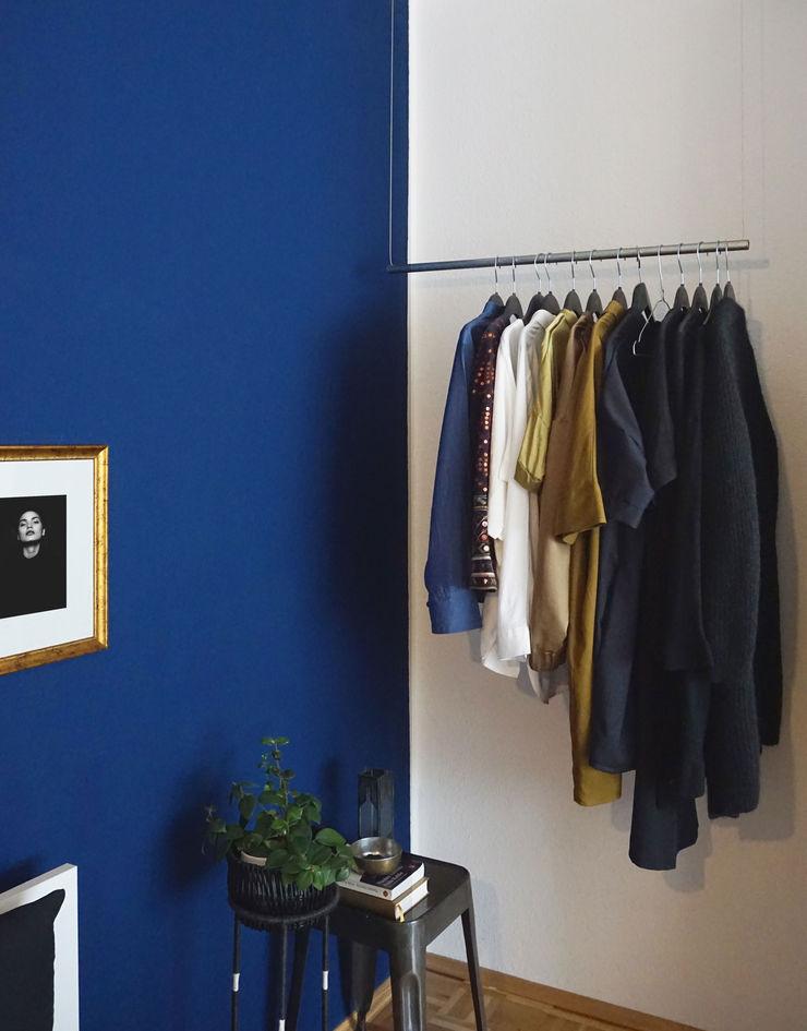 KANOS Design Scandinavian style bedroom Silver/Gold Blue