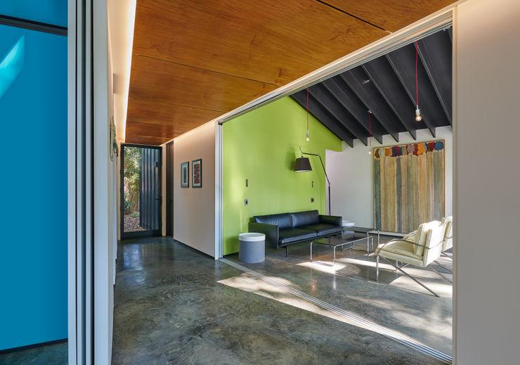 KUBE architecture Moderne Wohnzimmer