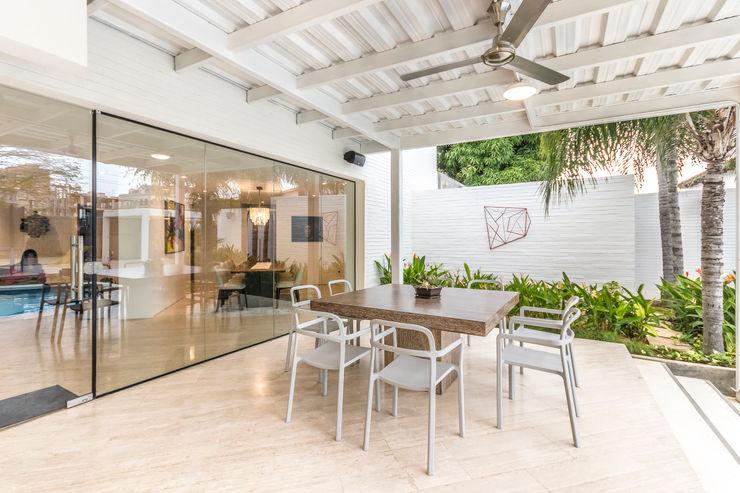 TERRAZA Design Group Latinamerica Balcones y terrazas de estilo moderno