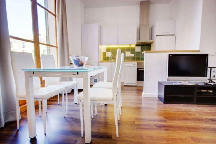 comedor-cocina FOCUS Arquitectura Comedores de estilo minimalista Blanco