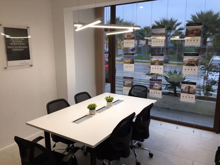 GB Arquitectura Estudios y oficinas modernos
