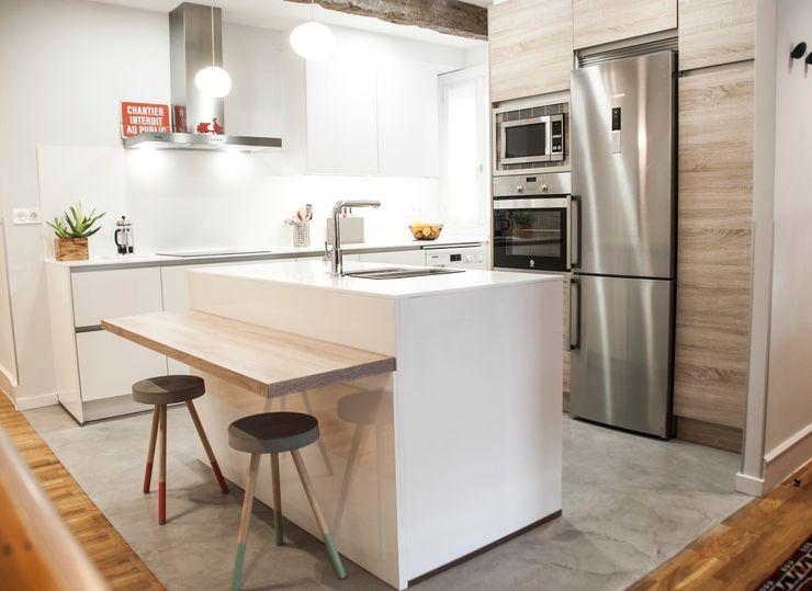 Reforma de cocina con isla MUEBLES DG Cocinas pequeñas