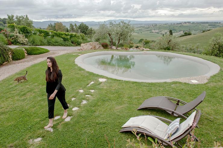 The View Luca Bucciantini Architettura d' interni Piscine a laghetto Plastica Grigio