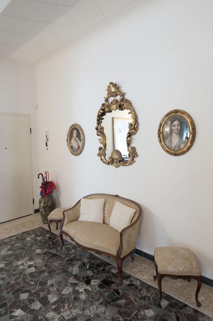 Appartamento Liberty in centro storico Studio di Architettura IATTONI Ingresso, Corridoio & ScaleAccessori & Decorazioni
