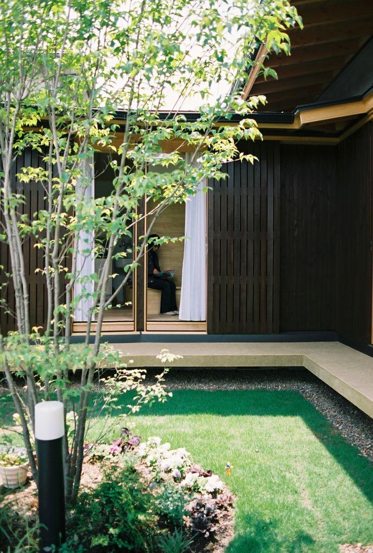 山道勉建築 Scandinavian style gardens Wood Green