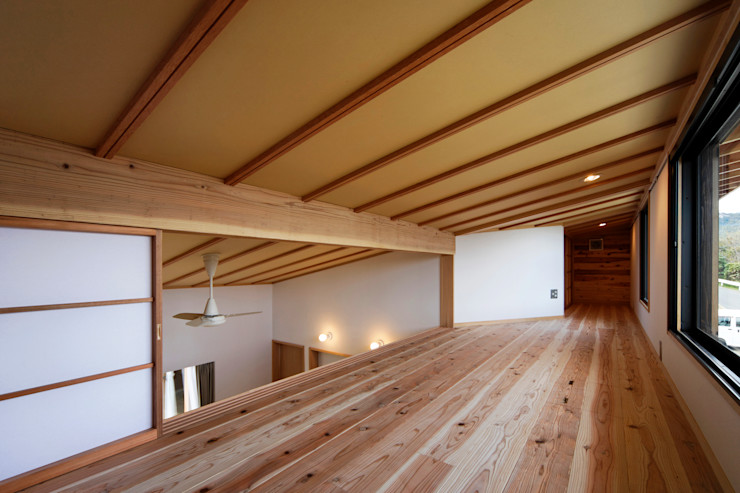 山道勉建築 Scandinavian style study/office Wood White