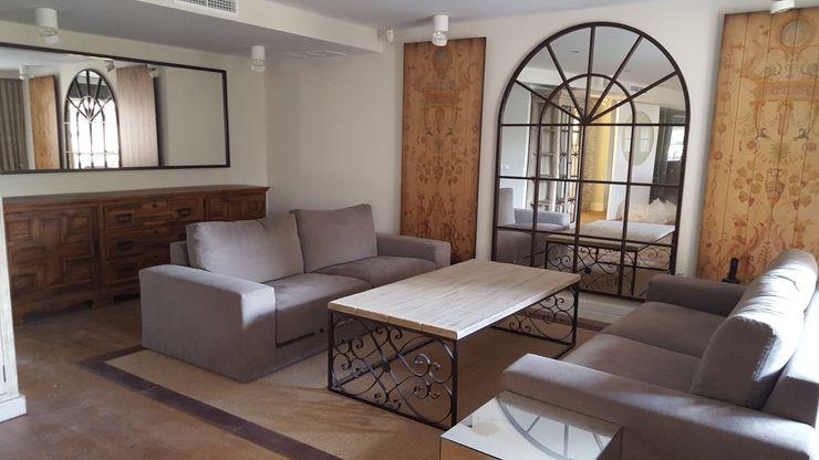 Vivienda unifamiliar en Arturo Soria Alicia Peláez Sevilla - Interiorismo y Decoración Salones de estilo colonial