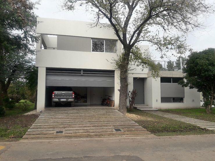 PORTON SECCIONAL DE GARAGE FERMOD FERMOD SACIFeI Garajes