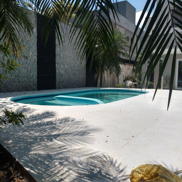 Rebello Pedras Decorativas Garden Pool Concrete White