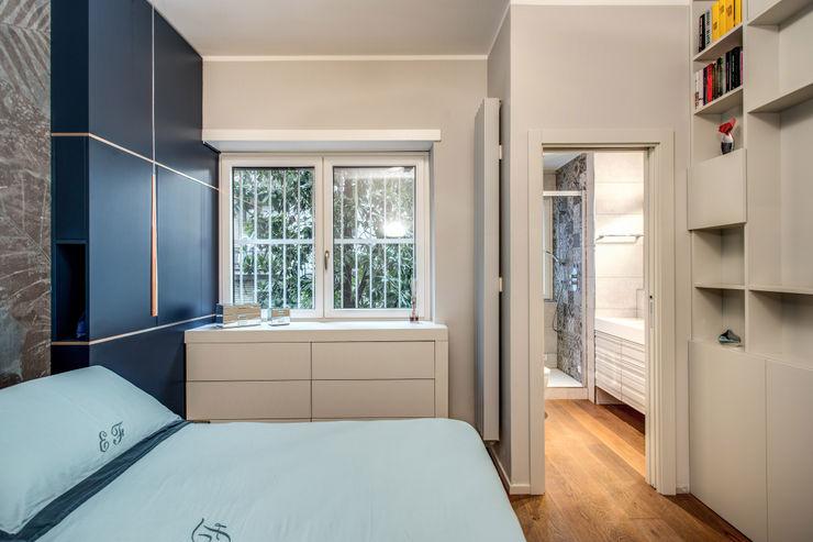 CAVALESE MOB ARCHITECTS Camera da letto moderna