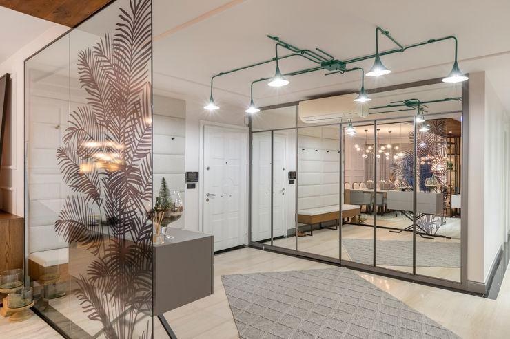 UĞUR BİRKAN EVİ Mimoza Mimarlık Eklektik Koridor, Hol & Merdivenler