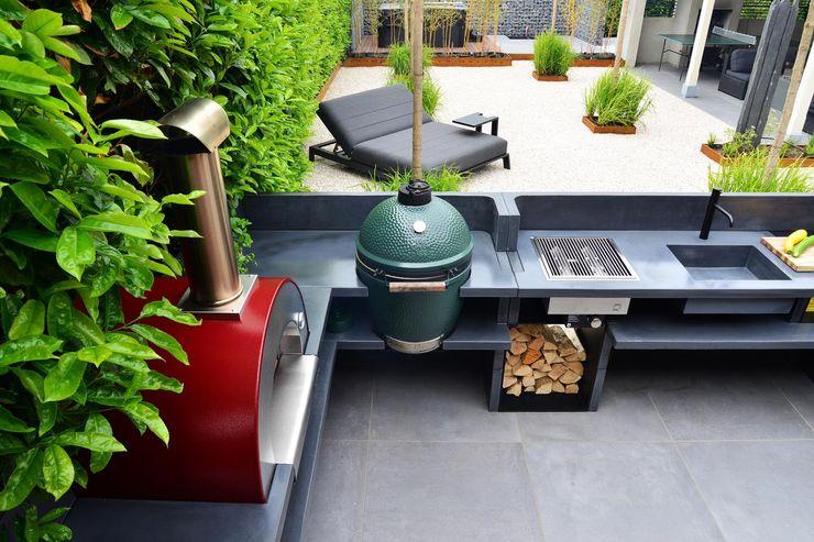 Vista ampia del terrazzo, con barbecue e living room Alfa Forni Cucina attrezzata