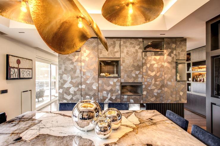 CORTINA D'AMPEZZO MOB ARCHITECTS Sala da pranzo moderna