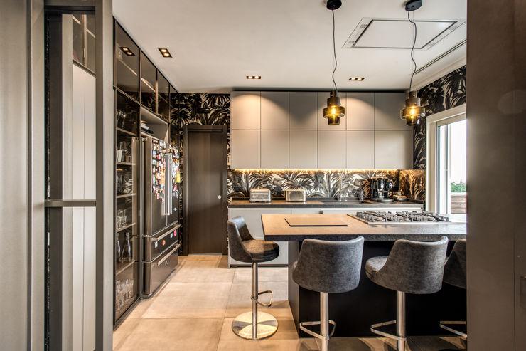 CORTINA D'AMPEZZO MOB ARCHITECTS Cucina moderna