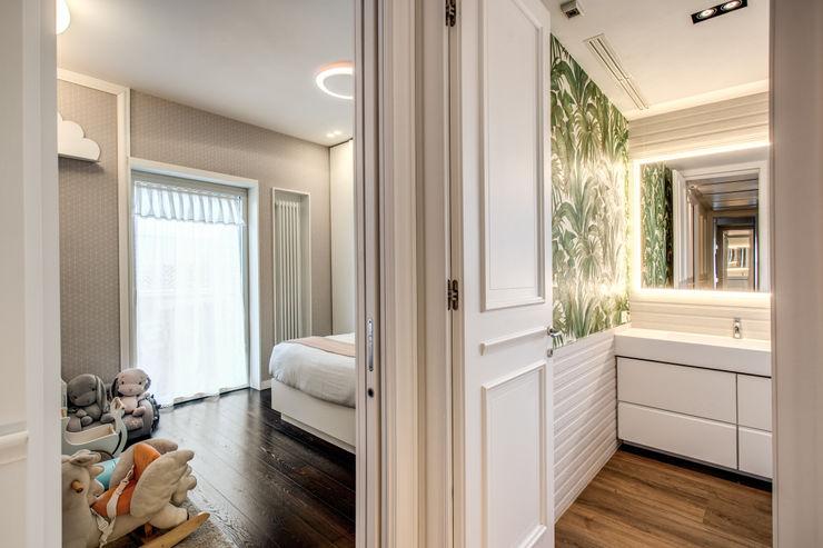 CORTINA D'AMPEZZO MOB ARCHITECTS Ingresso, Corridoio & Scale in stile moderno
