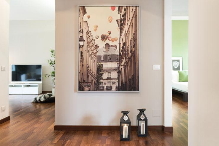 Zona ingresso LM PROGETTI Ingresso, Corridoio & Scale in stile moderno