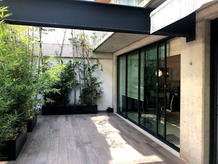 Arquitecto Rafael Viana Balbi - CDMX + Rio de Janeiro Balkon Keramik Grau