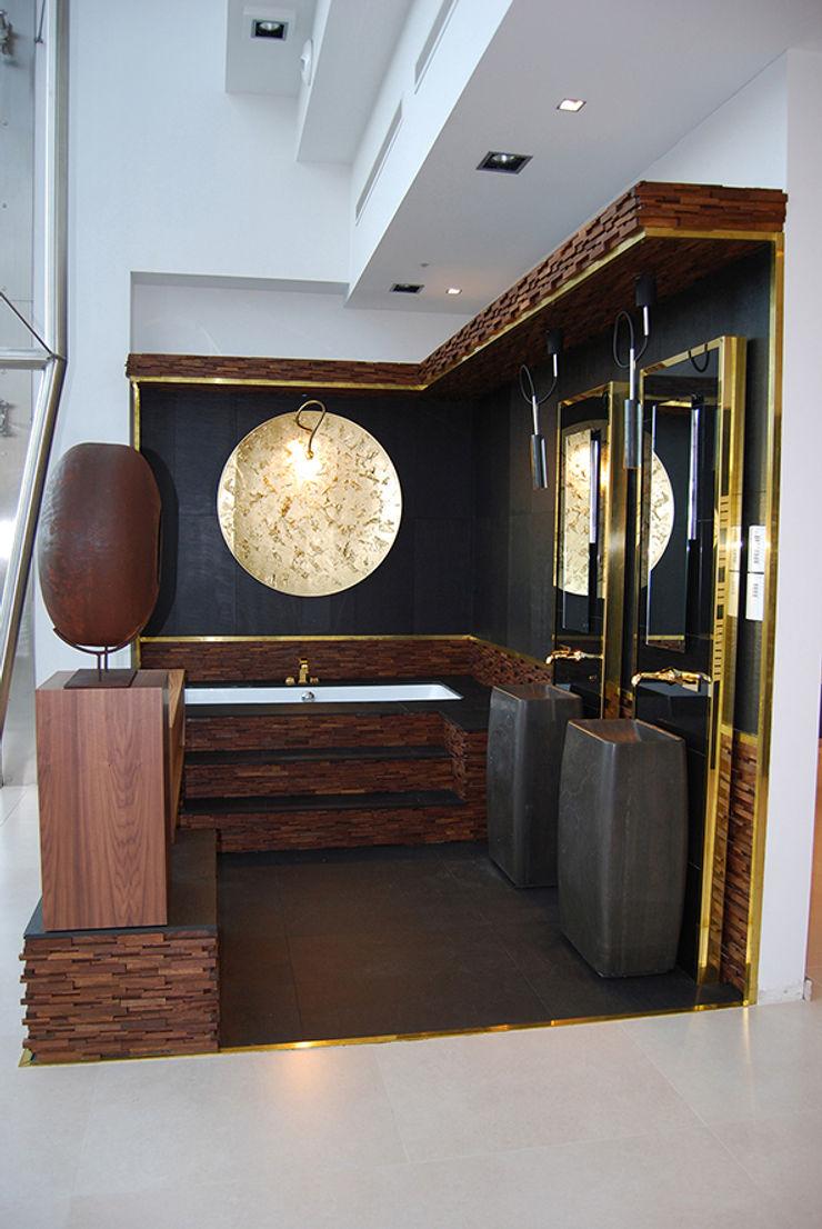 Baño de Autor MANUEL TORRES DESIGN Centros de exposiciones de estilo ecléctico