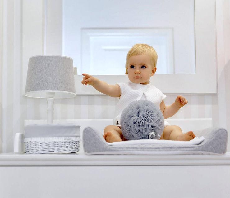 baby d'Oro Minimalist nursery/kids room