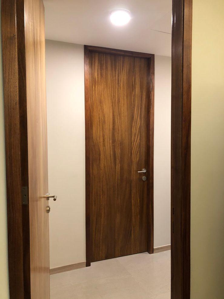 DISEÑO Y DECORACION DE INTERIORES EXCLUSIVO DEPARTAMENTO Alejandra Zavala P. Puertas de madera Madera maciza Acabado en madera
