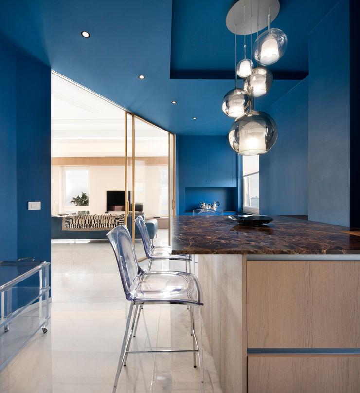 CASA C&C Andrea Orioli Cucina attrezzata Legno Blu