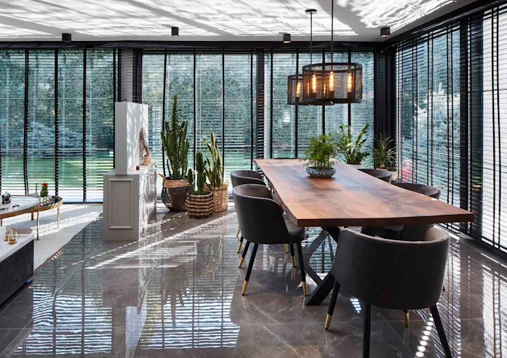 Afyon house Esra Kazmirci Mimarlik KitchenTables & chairs Wood Brown