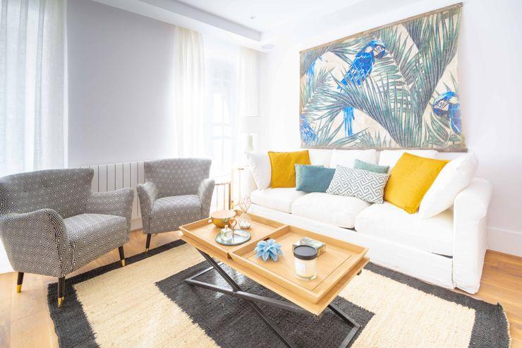 Apartamento Madrid ISOLVARO Salones de estilo clásico