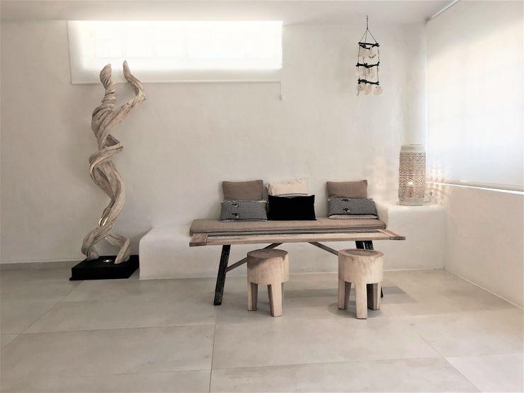 Un rincón ibicenco A interiorismo by Maria Andes Hoteles de estilo mediterráneo