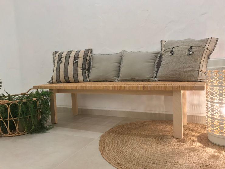Elementos decorativos A interiorismo by Maria Andes Espacios comerciales de estilo mediterráneo Cerámico Blanco