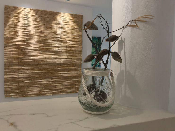 Bambú y cerámica A interiorismo by Maria Andes Espacios comerciales de estilo mediterráneo Bambú Blanco