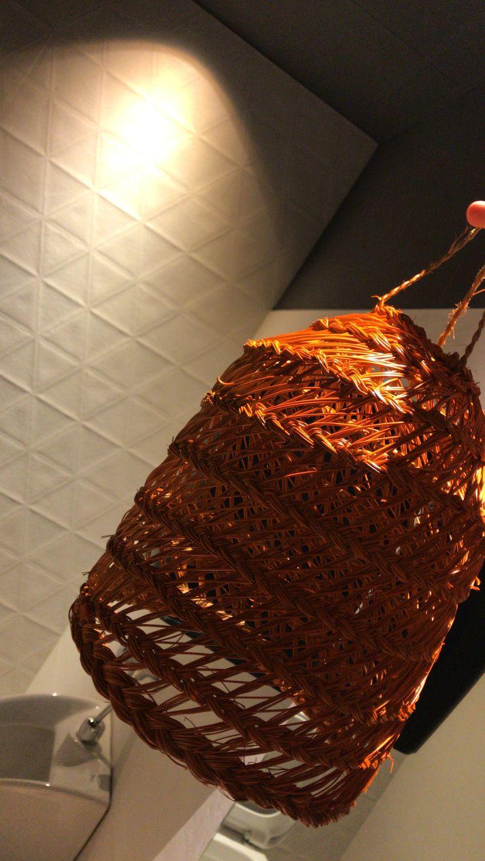 Lámpara personalizada A interiorismo by Maria Andes Bares y clubs de estilo tropical Bambú Naranja