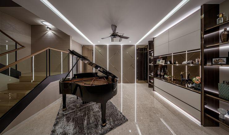Summerhaus D'zign Koridor & Tangga Modern