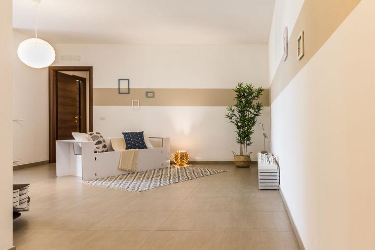 Fabiola Fusco - Architetto e Home Stager Moderne Wohnzimmer Beige