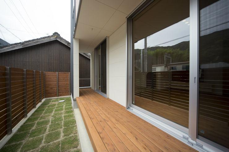 T・T-home 一級建築士事務所 想建築工房 モダンデザインの テラス