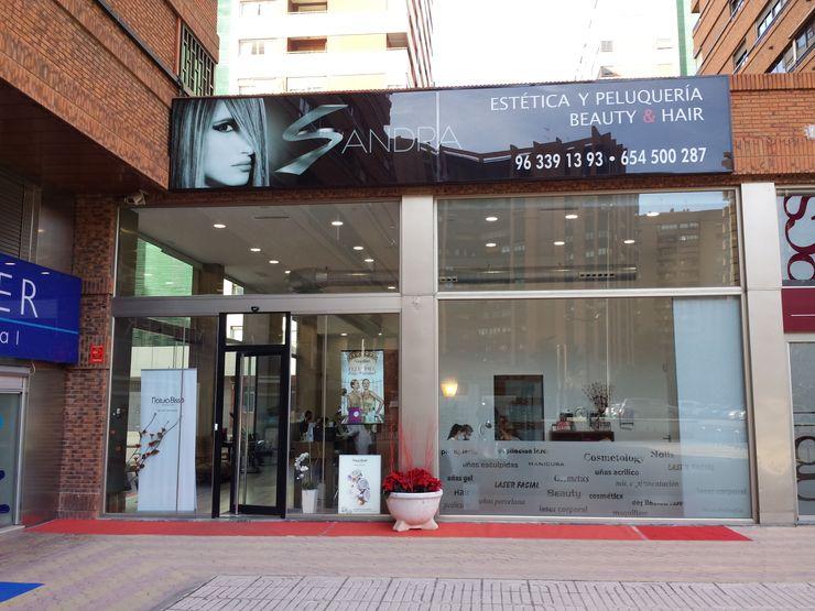 Fachada Principal OCTANS AECO Oficinas y tiendas de estilo moderno