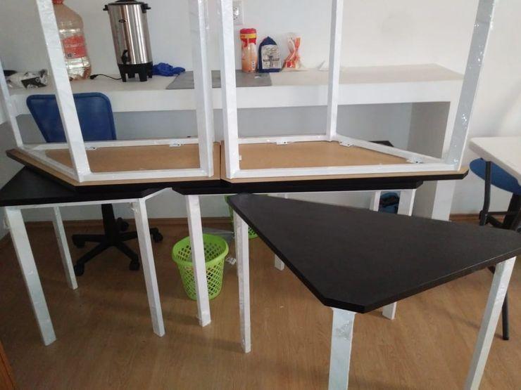 Mesas Modulares SENZA SPAZIO STUDIO Oficinas y tiendas Metal Blanco
