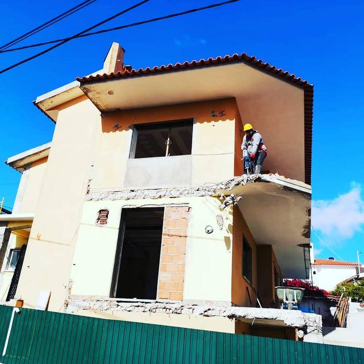 Fachada em Recuperação Congrau Engenharia Moradias Madeira Acabamento em madeira