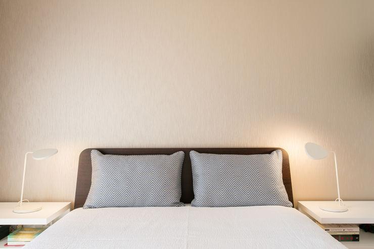 Traço Magenta - Design de Interiores Dormitorios modernos