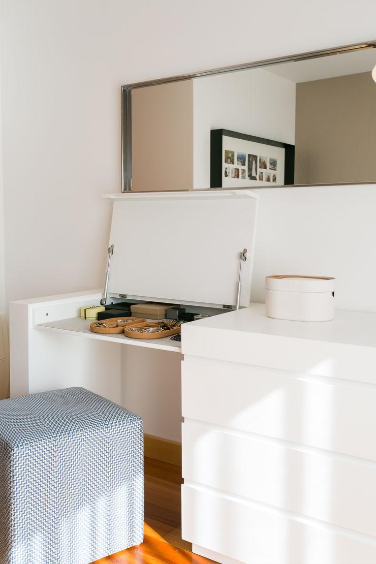 Traço Magenta - Design de Interiores Dormitorios minimalistas