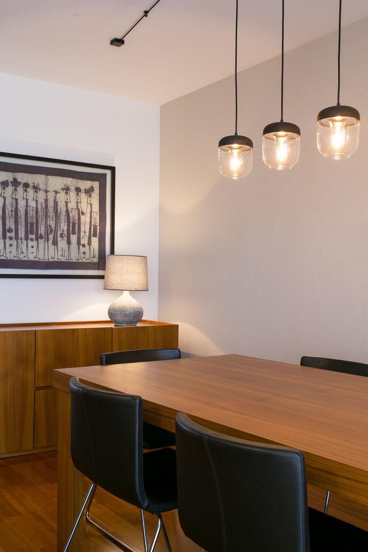 Traço Magenta - Design de Interiores Comedores modernos