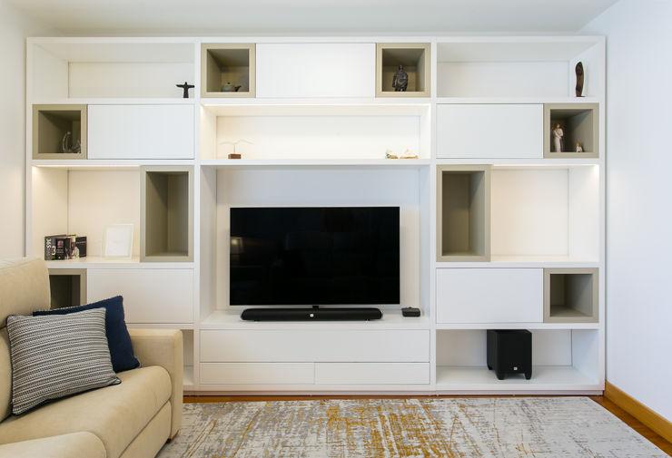 Traço Magenta - Design de Interiores SalasMuebles de televisión y dispositivos electrónicos