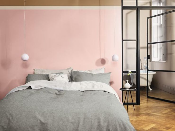 The calming bedroom Create a soothing atmosphere in your bedroom with the Dulux Colour of the Year 2019 Dulux UK Phòng ngủ phong cách hiện đại Pink