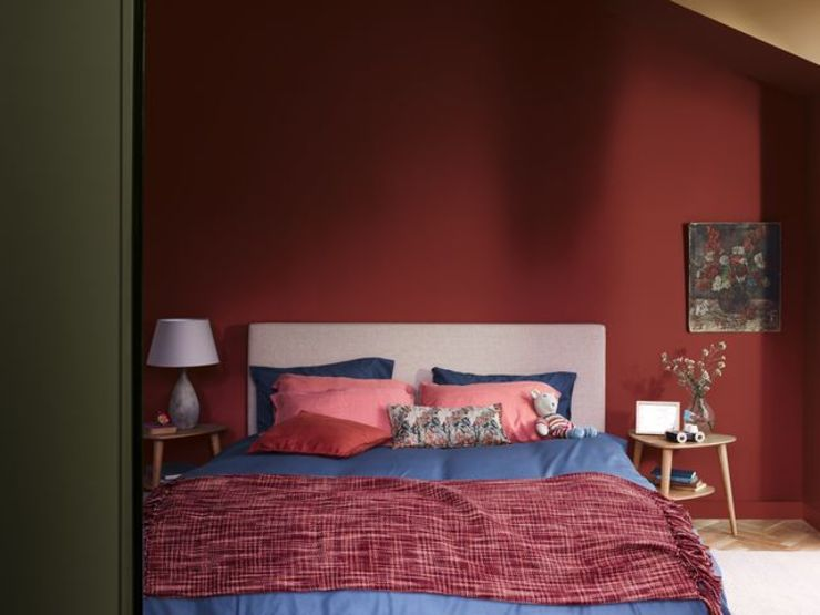 A soothing bedroom with the Dulux Colour of the Year 2019 Dulux UK Modern style bedroom Red