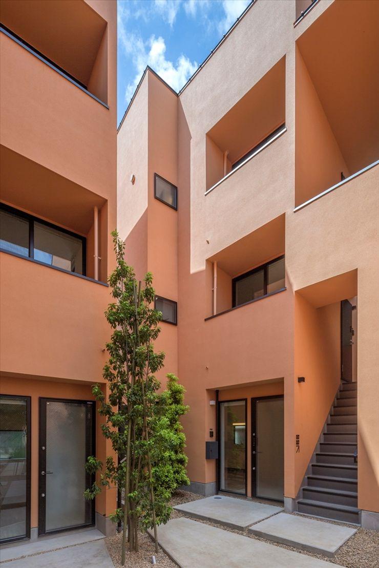 向山建築設計事務所 Mediterranean style walls & floors