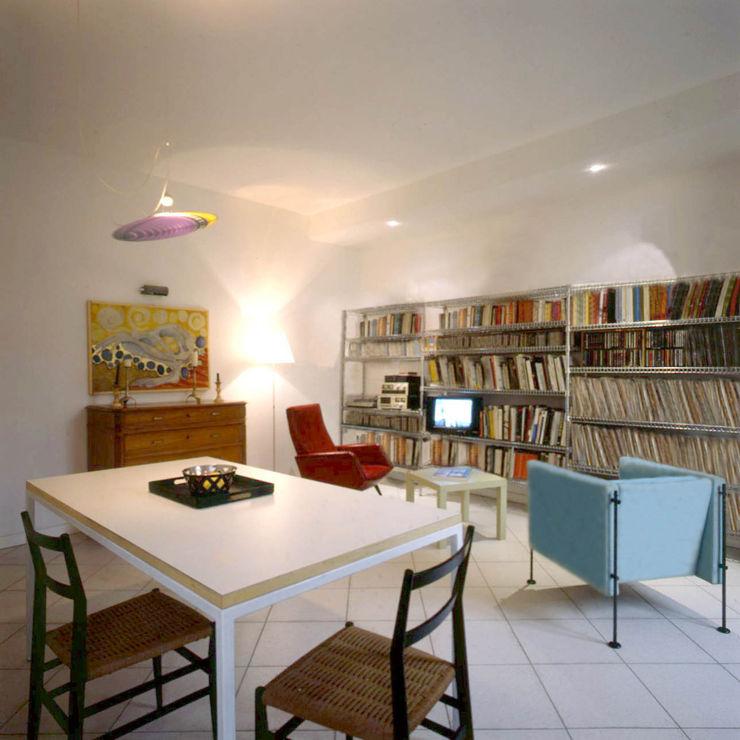 Soggiorno open space Studio di Architettura, Interni e Design Feng Shui Soggiorno eclettico