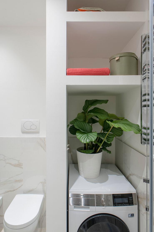 This is my bathroom Luca Bucciantini Architettura d' interni Bagno minimalista Legno Beige